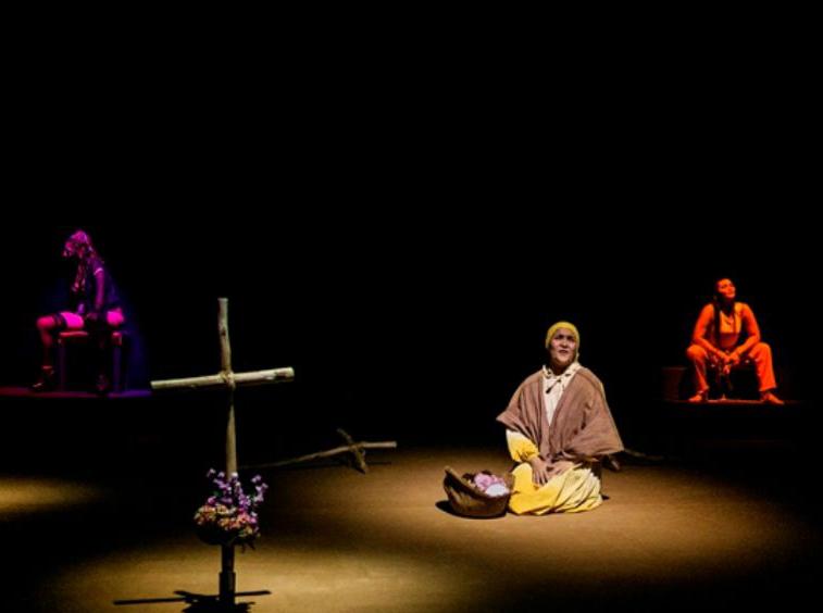 Pequeño teatro de Medellín ofrece un seminario intensivo de interpretación e improvisación en La Ranilla Espacios el próximo día  6 de Noviembre. Reserva tu plaza.