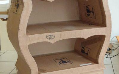 Taller de fabricación de muebles de cartón.
